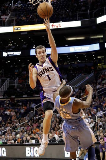 Beasley helps Suns pull away to beat Denver, 88-72