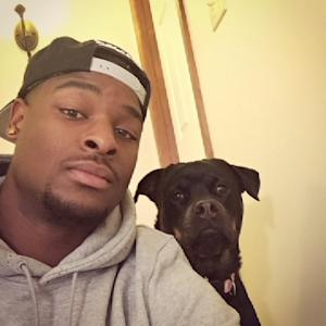 Dog trainer Le'Veon Bell
