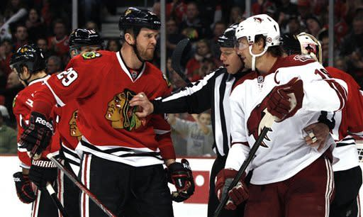 Coyotes beat Blackhawks 3-2 in shootout