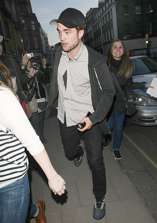 Robert Pattinson&#x2019;s Birthday Night Out In London With Kristen Stewart