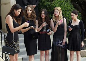 Pretty Little Liars Season 4: Toby's 'Soulful' Path, Ezria's 'Growing Pains' and Caleb's Send-Off