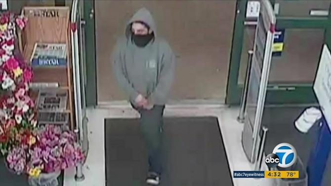 CVS clerk attacked in Ventura armed robbery