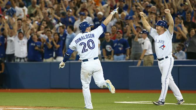 Josh Donaldson reportedly inks two-year deal with Blue Jays to avoid arbitration