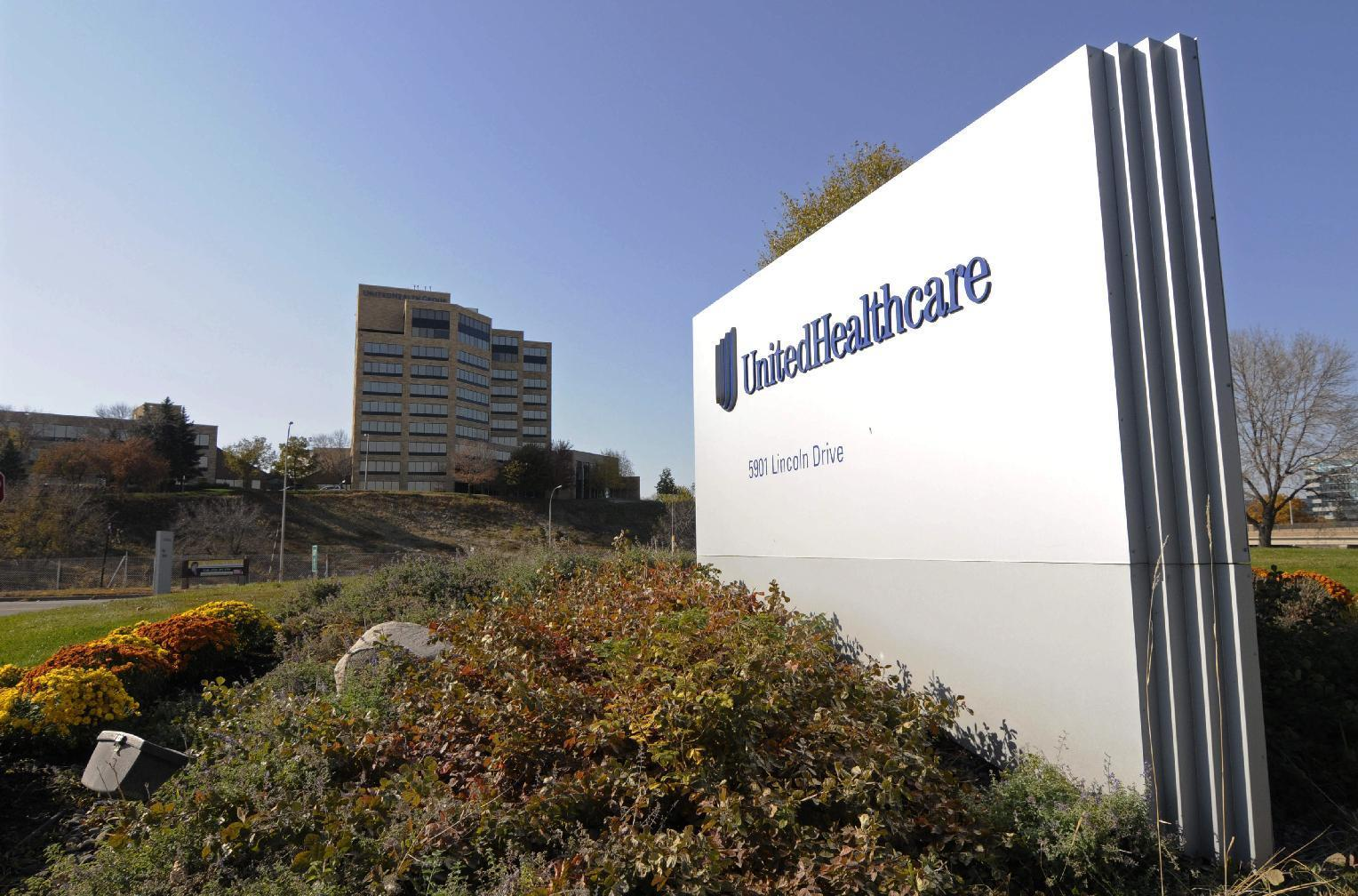 UnitedHealth tops Street 4Q forecasts, as earnings jump