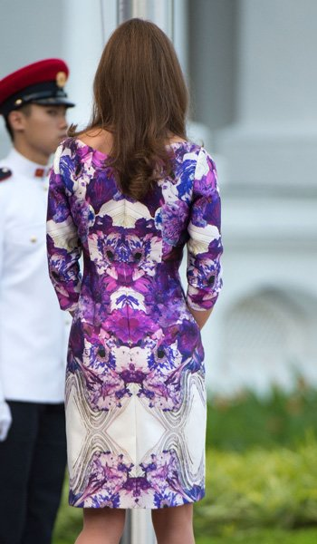 Catherine, Duchess of Cambridge (dress detail) attends the welcome ceremony on arrival at the Istana on day 1 of their Diamond Jubilee tour on September 11, 2012 in Singapore. (Photo by Samir Hussein/