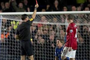 Unhappy Di Matteo blames Clattenburg for defeat to Manchester United