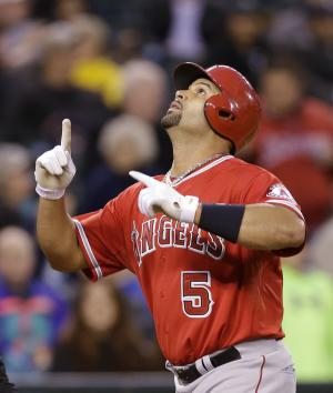 Pujols homer, pitching leads Angels past M's 2-0