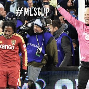 PENALTY SHOOTOUT: MISS: Palmer bounces it off the crossbar and Sporting Kansas City wins MLS Cup