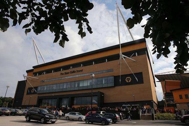 Soccer - Sky Bet League One - Wolverhampton Wanderers v Swindon Town - Molineux