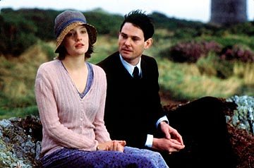 Romola Garai and Henry Thomas in Samuel Goldwyn's I Capture The Castle