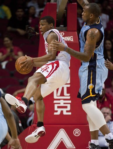 Lowry scores 24, Rockets hold off Grizzlies 97-93