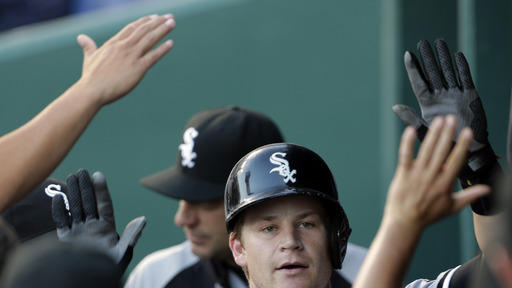 Danks, White Sox scratch out 2-0 win over Royals