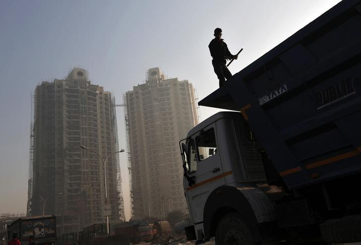 HDFC's fund targets raising $500 million for real estate - sources