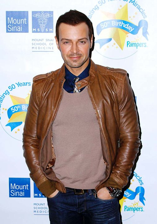 Joey Lawrence Pampers Evnt