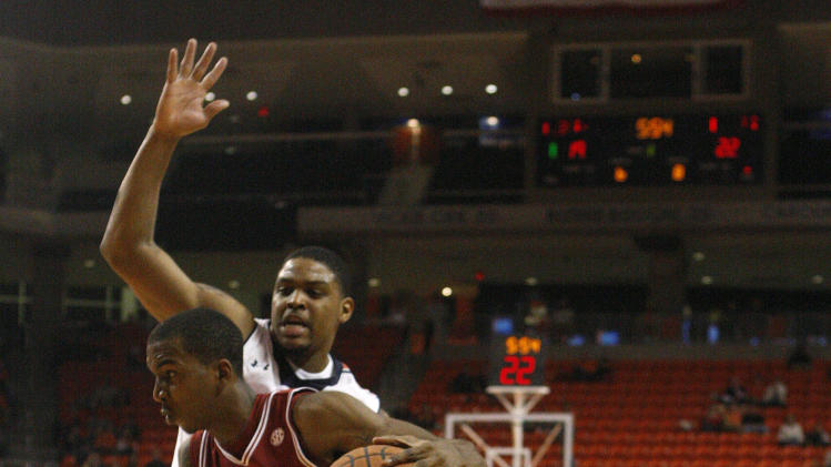 NCAA Basketball: Arkansas at Auburn