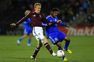 Chicago Fire acquire Jeff Larentowicz from Colorado