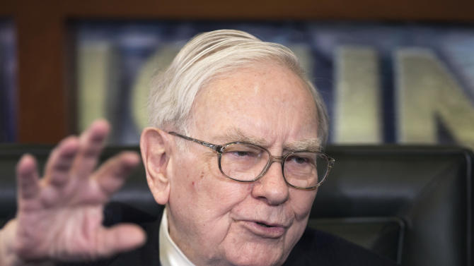 Buffett disapproves of Coca-Cola's pay plan