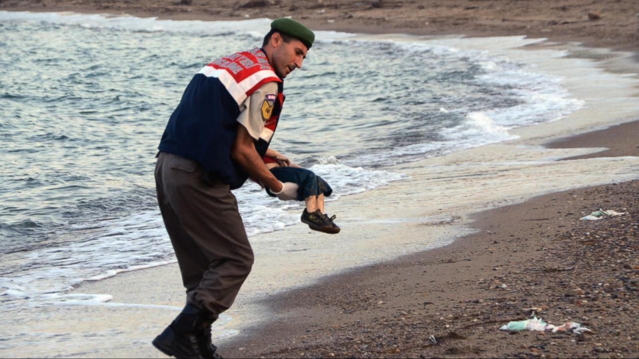 Two drowned Syrian boys and their mother buried in home town Kobani