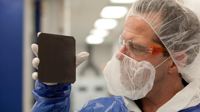 'Absolute Black' Solar Panels Absorb Almost All Sunlight