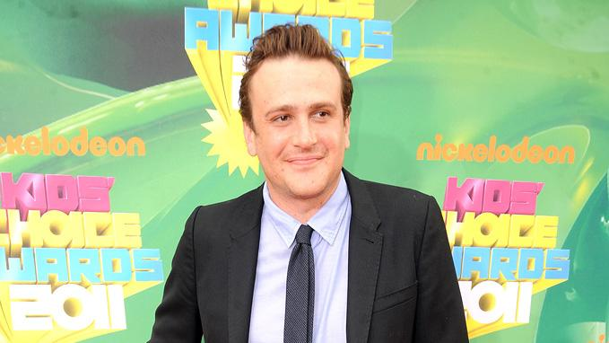 """How I Met Your Mother"" star (and the man behind the upcoming ""Muppets"" movie) Jason Segel smiles for photographers at Nick's Kids' Choice Awards. Nickelodeon's 24th Annual Kids' Choice Awards"