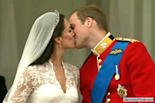 Willam Kate Royal Wedding kiss