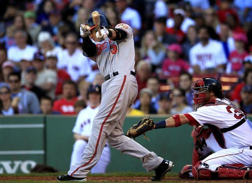 Orioles miss big chance in 9th, lose to Boston 2-1