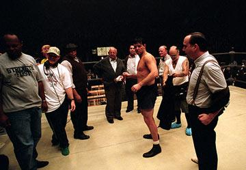 Russell Crowe and Paul Giamatti on the set of Universal Pictures' Cinderella Man
