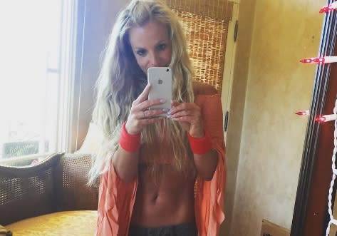 Britney Spears' turquoise bikini in her new Instagram post is ultimate #summergoals