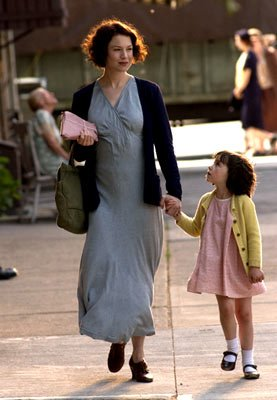Renee Zellweger and Ariel Waller in Universal Pictures' Cinderella Man