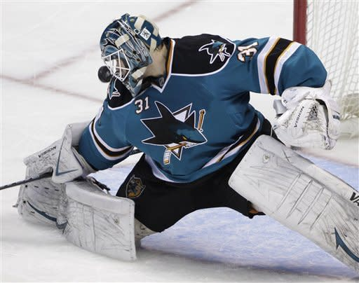 Sharks return home to beat Flyers 1-0