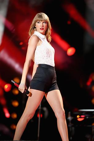 Backstage With Taylor Swift on Her Huge Summer Stadium Tour
