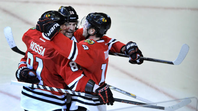 Hossa helps Blackhawks past Oilers 5-3