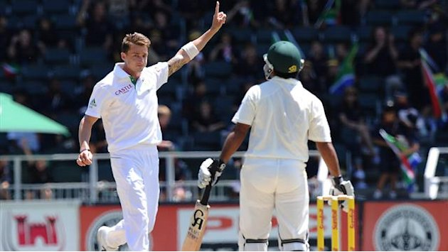 Cricket - Steyn the star as South Africa finish off Pakistan in first Test