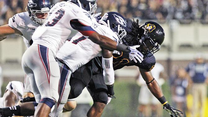 Carden leads East Carolina past FAU, 31-13