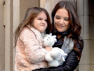 Photos:  Suri Cruise Mugs for Camera