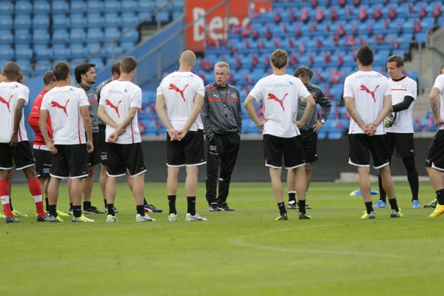 Ottmar Hitzfeld, coach of the Swiss national soccer team, attends training session in Ullevaal stadium in Oslo, Monday, September 9, 2013, the day bedfore before the upcoming FIFA World Cup 2014 quali