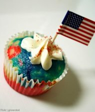 american-flag-cupcake-flickr-cite