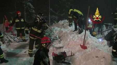 Italy avalanche death toll rises to 14