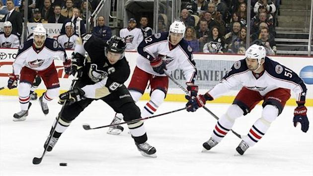 Ice Hockey - Makin and Crosby on target in Penguins' win