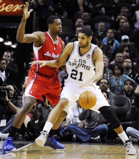 Paul, Williams put Clippers past Parker-less Spurs