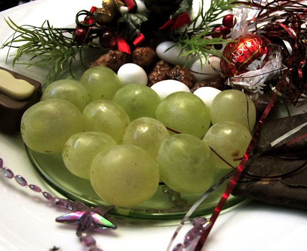 Twelve Grapes, twelve wishes