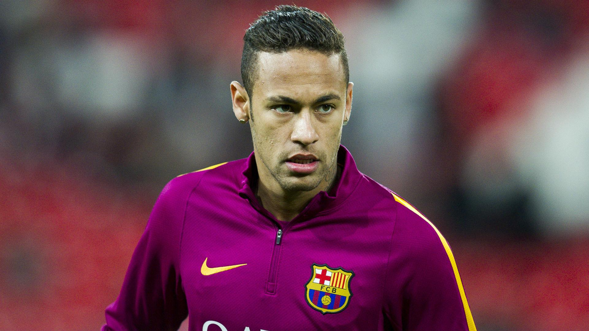 Luis Enrique urges Neymar to cope with off-field distractions