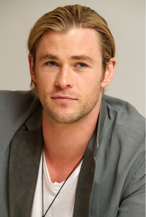 Chris Hemsworth Profil...