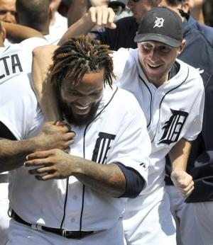 Max Scherzer's 15 Ks help Tigers beat Pirates 4-3