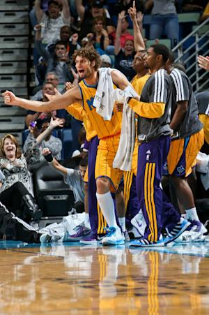Lopez, Davis lead Hornets past Grizzlies, 90-83
