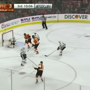 Corey Crawford Save on Claude Giroux (09:56/3rd)