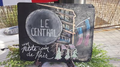 After 34 Years, Le Central Is Closing