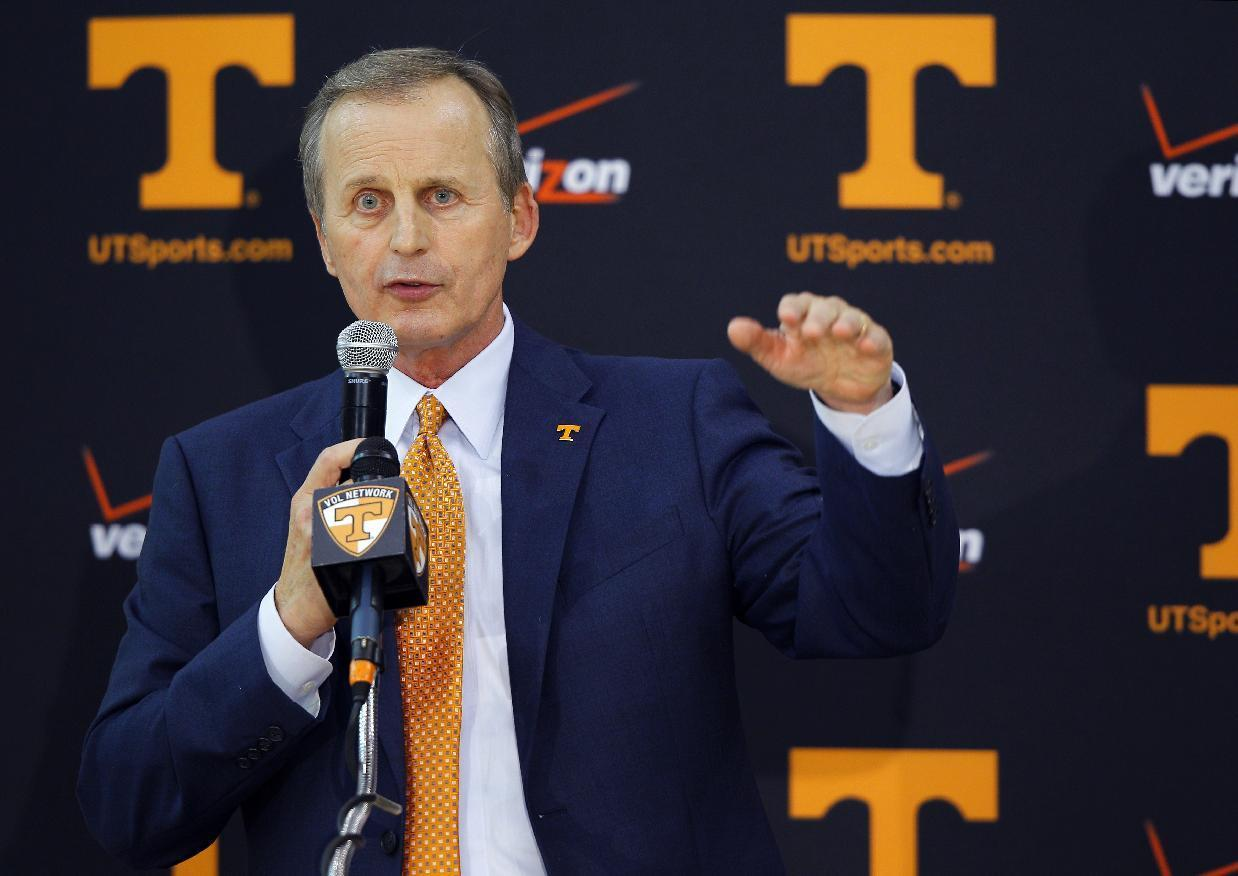 Tennessee hires former Texas coach Rick Barnes