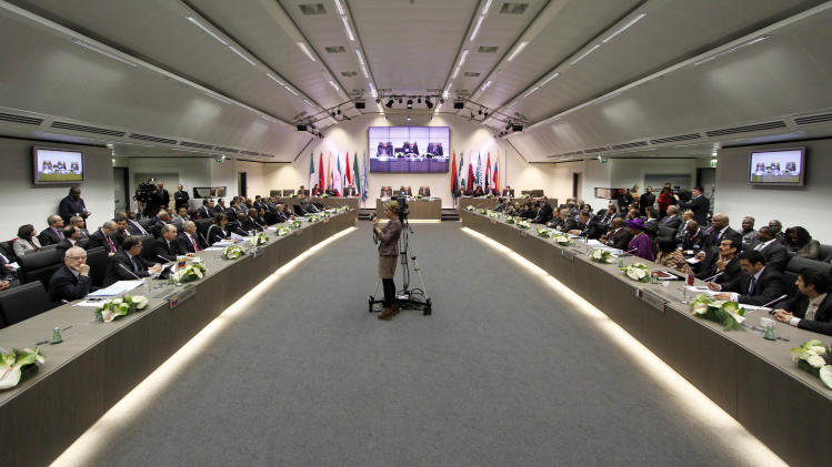 General view of the meeting of oil ministers of the Organization of the Petroleum Exporting countries, OPEC, at their headquarters in Vienna, Austria, Wednesday, Dec. 12, 2012 . (AP Photo/Ronald Zak)