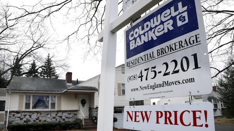 US rate on 30-year mortgage slips to 3.34 pct.